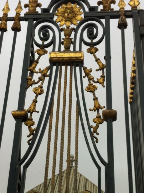 os portões imponentes