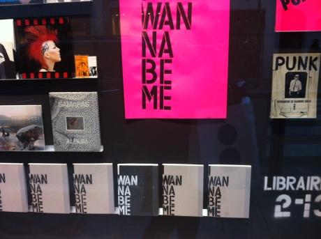 e tava rolando o lançamento desse livro: i wanna be me (ótimo nome)